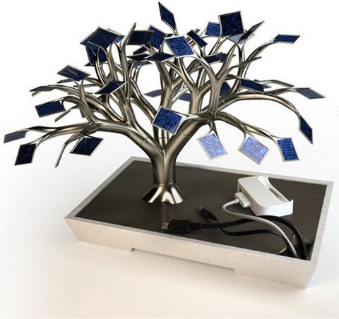 """整个太阳能树拥有54片""""树叶"""",所获得的电力足够喂饱在大树下乘凉的"""